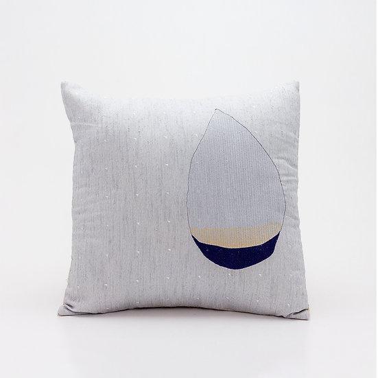 Rain Pillow  I  Beige Back
