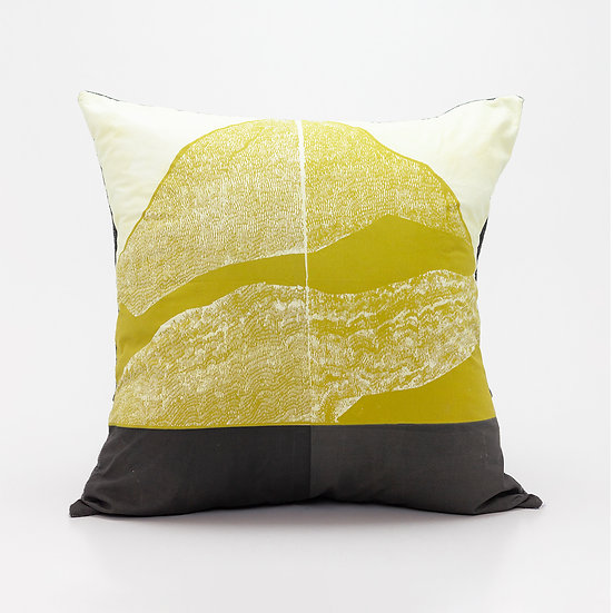 Mountain Pillow  I  Charcoal Bsck