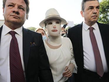 Ξεκίνησε η δίκη για την επίθεση με το βιτριόλι -Συγκλονίζει η Ιωάννα! (φωτό)