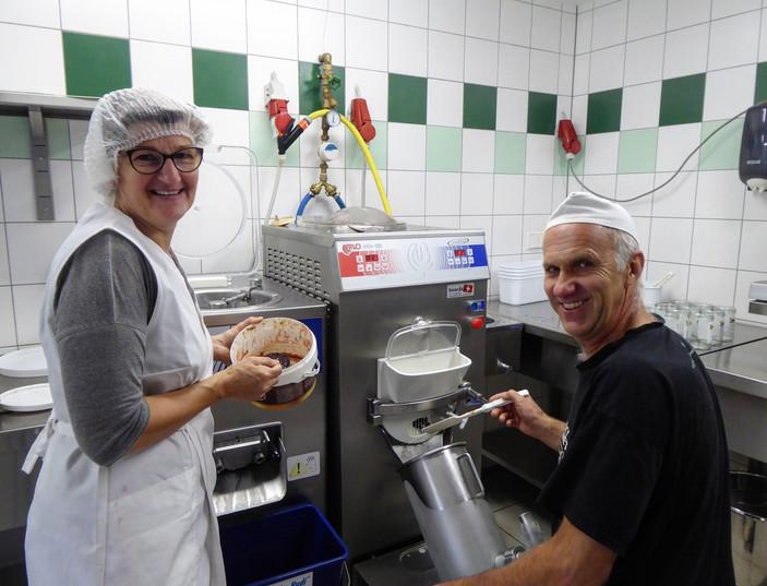 Eisproduktion am Trattberg Hof