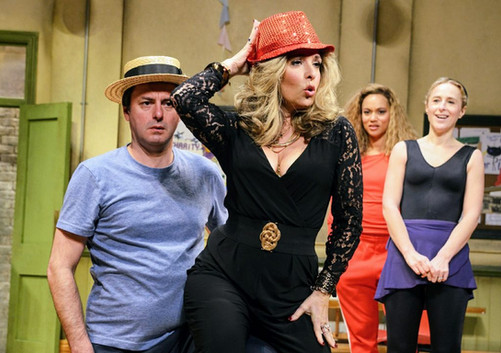 Tracy-Ann-Oberman-Maxine-in-Stepping-Out