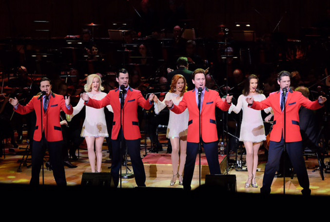 The-cast-of-the-Jersey-Boys-perform-with