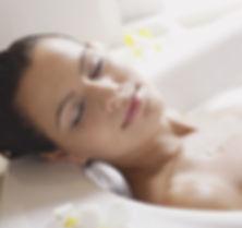Frau Entspannung Badewanne Wellness
