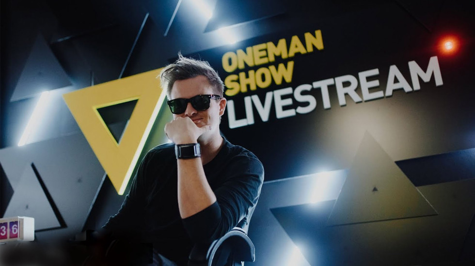 OMS, One man show, Live stream studio, Design, Architekt, Architect, Kazma, Broadcast, Dekorace, Kulisy, TV, Online, Internet, Tomas Jaros, Scéna, Interiér, Designer scény