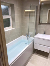Contemporary bath and sink suite