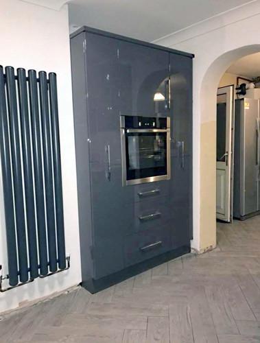 Grey gloss kitchen units