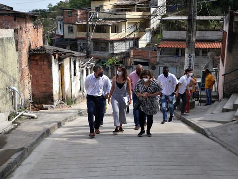 Representante do BID visita obras em comunidades de Niterói