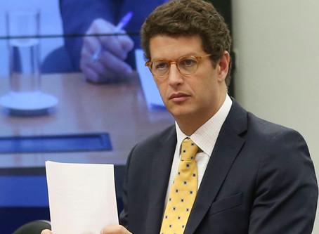 Juíza suspende revogação de Salles a normas do Conama