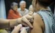 Vacinação para idosos acima de 80 anos começa amanhã