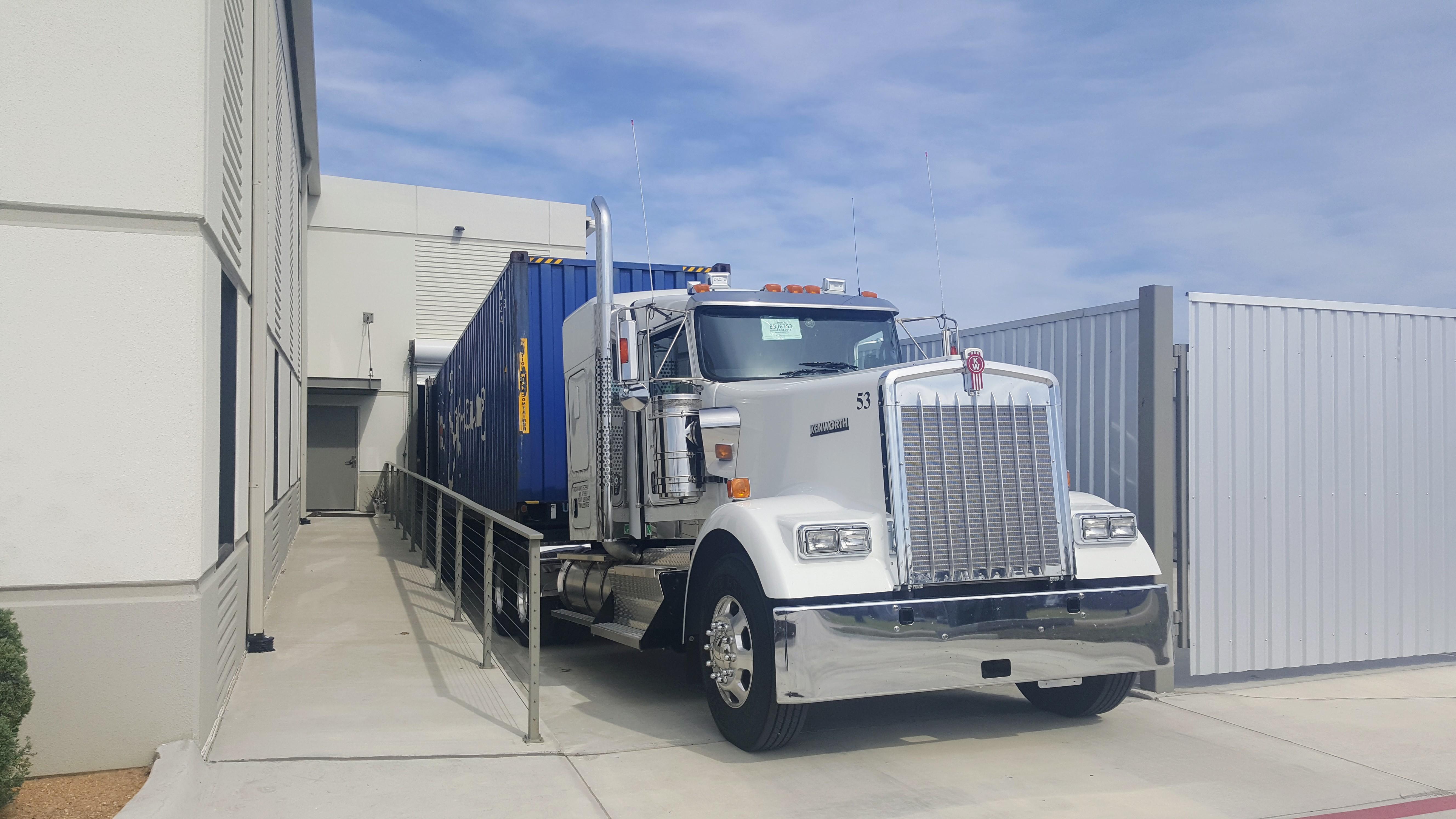 20170208_122833 - Wasem's 18 Wheeler Truck