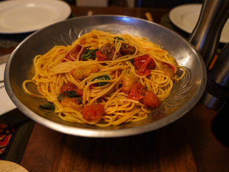 Super Simple Cherry Tomato, Basil and Olive Oil Pasta