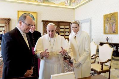Paris Match Vatican.jpg