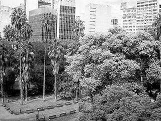 Vista_parcial_da_Praça_da_Alfândega_edit