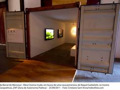 8ª Bienal do Mercosul - Obra Cinema mudo: em busca de uma casa Pomerania, de Raquel Garbelotti, mostra Geopoéticas, ZAP (Zona de Autonomia Poética)