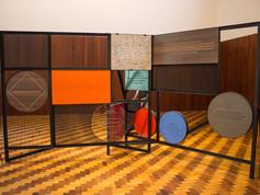 9ª Bienal do Mercosul - Obra Fundamentos da substância do design metáforas culturais para projetar um novo futuro, do artista Beto Shwafaty, no Memorial do Rio Grande do Sul.
