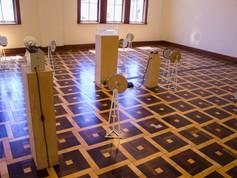 9ª Bienal do Mercosul - Obra Labirinto invisível, do artista Luiz F. Benedict, no MARGS.