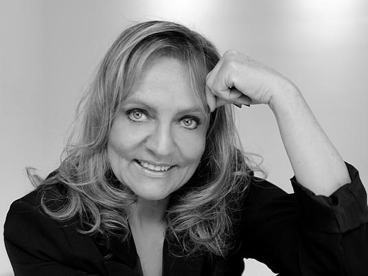 Carmen Ferrão takes over the presidency of the 13th Mercosul Biennial