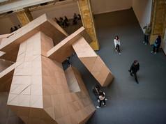 9a Bienal do Mercosul. Publico visita os espacos expositivos da 9a Bienal do Mercosul. Espaco Margs.