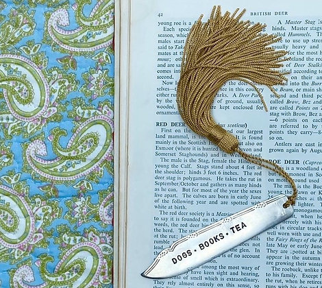 Dogs - Books - Tea Bookmark