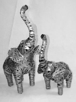 Set of two metal Elephants