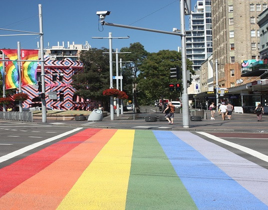 Darlinghurst-Oxford-Street-rainbow-main.