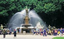 Hyde-Park-Fountain-Sydney.jpg
