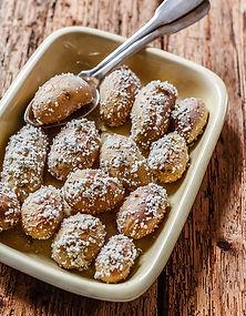 Pommes-de-terre-cuites-au-gros-sel-et-sa