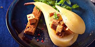 poire-pochee-farcie-au-foie-gras.jpeg