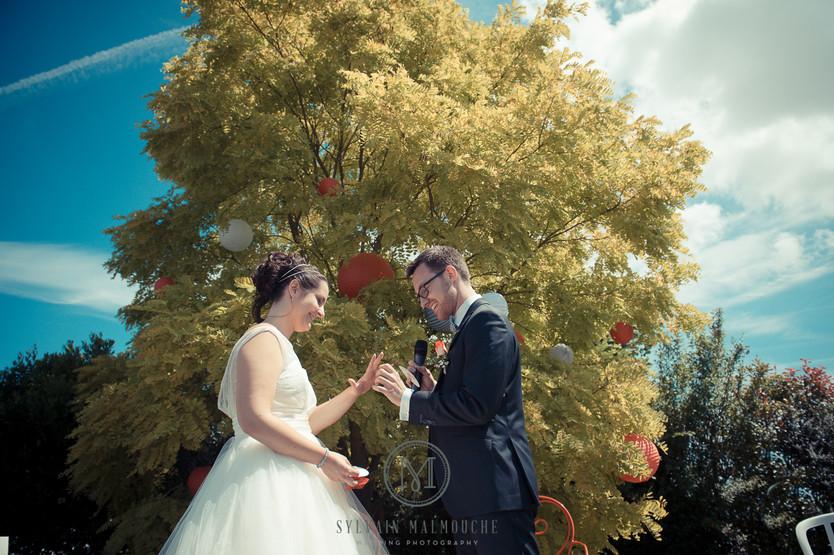 Mariage & cérémonie laïque au Domaine des Assis en Mayenne.