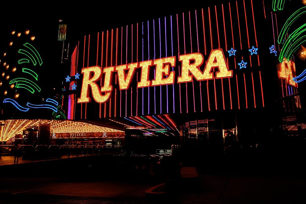 Riviera_Casino,_Las_Vegas_(3479602454).jpg