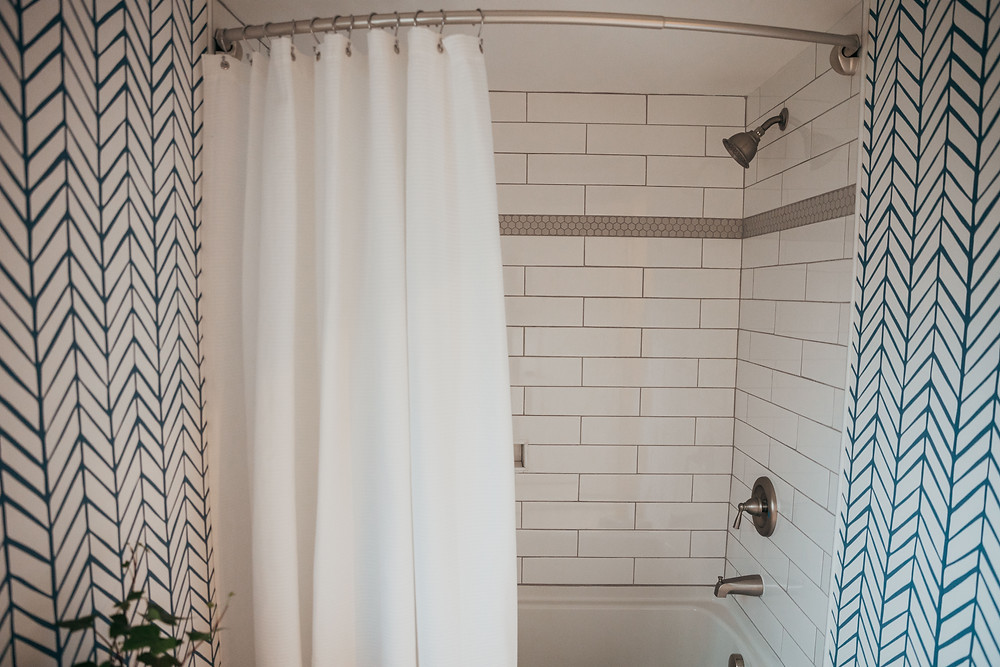 Wallpaper in Kids Bathroom