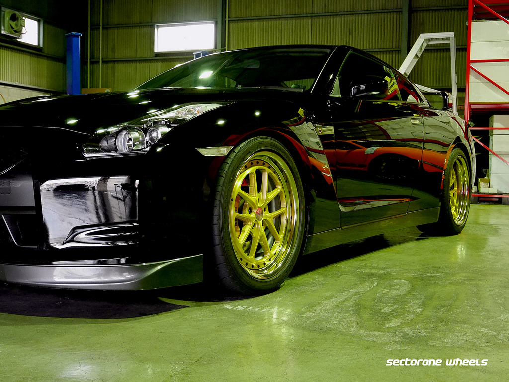 Nissan R35 GTR on MC5 3-piece 20
