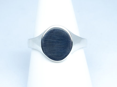 Oval shape silver signet ring