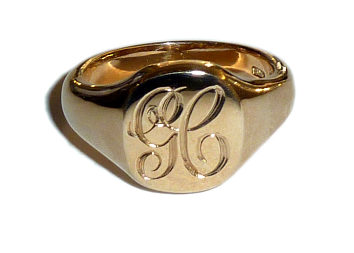 Engraved signet ring