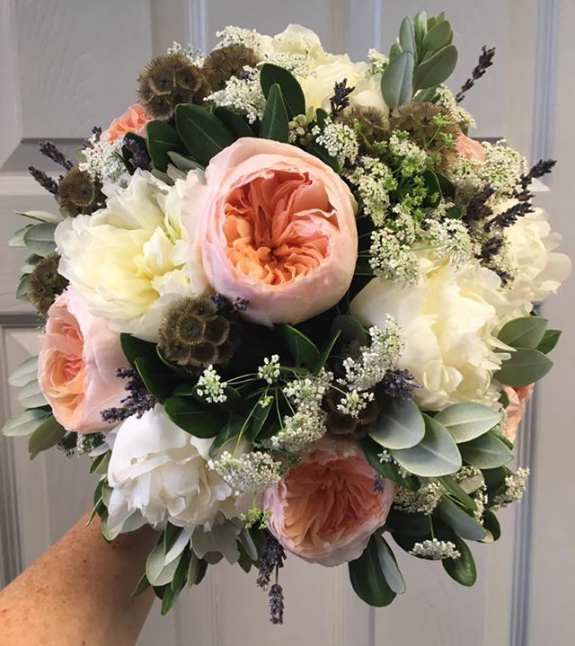 Peach and Cream Wedding Flowers