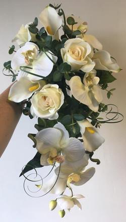Stunning White Bride Flowers