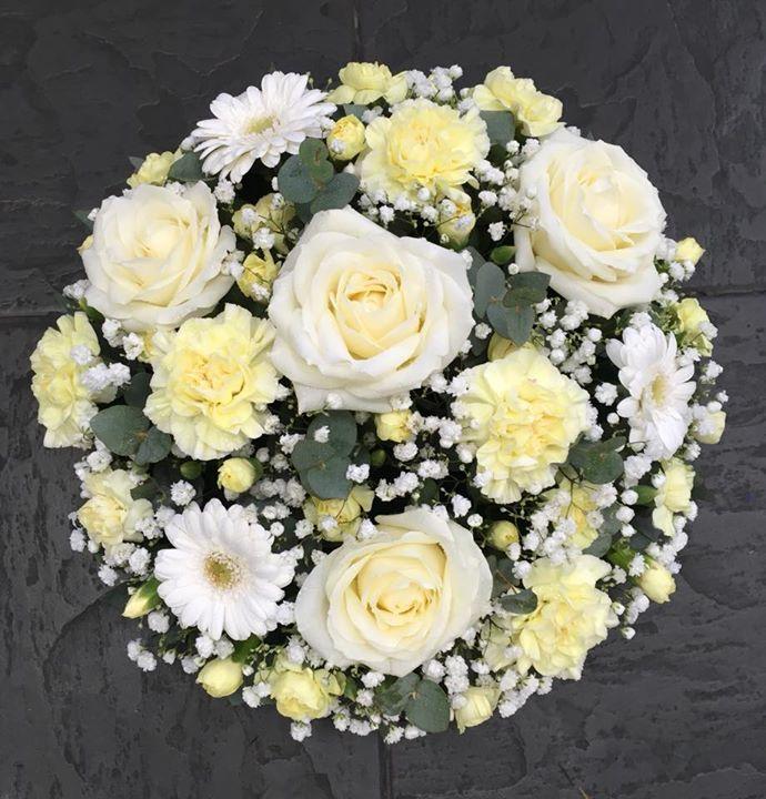 Cream Flowers Posy Pad