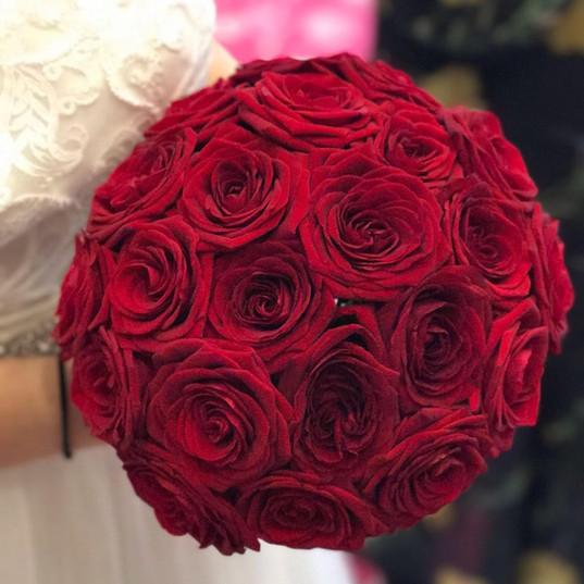 Red-Rose-Hand-tied.jpg