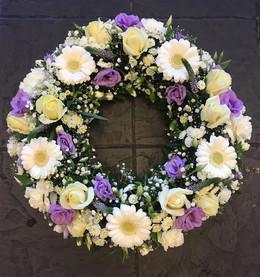 Round funeral wreaths - Purple Flower