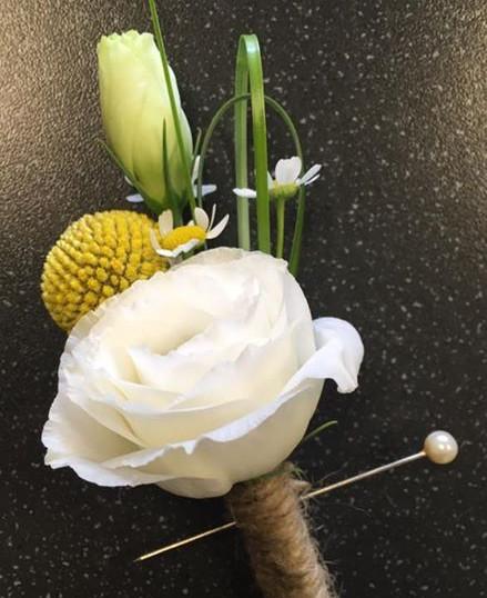 Wedding Buttonholes Birmingham.jpg