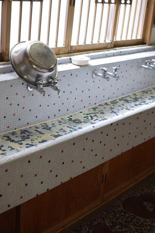 タイル張り洗面台