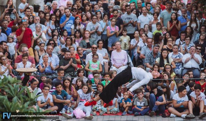 Ayer Up2down-Cia TrasPediante,con el espectáculo de Danza-Circo en Feria Teatro de Castilla y Leon d