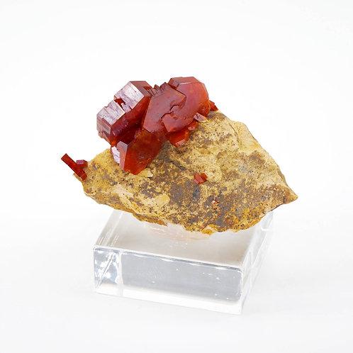 VANADINITE - 6 x 4 x 3 cm
