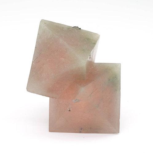 PINK FLUORITE - 6 x 3,5 x 3 cm