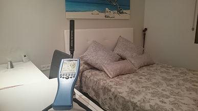 Medición radiaciones electromagnéticas en habitacion de barcelona