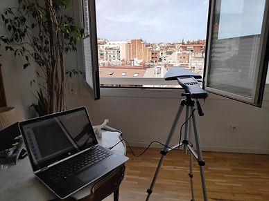 midiendo los campos electromagnéticos en vivienda de barcelona