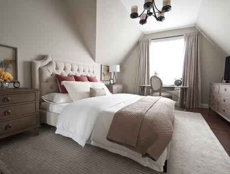 Master-bedroom-interior-decorating