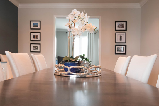 Dining-room-table-decor