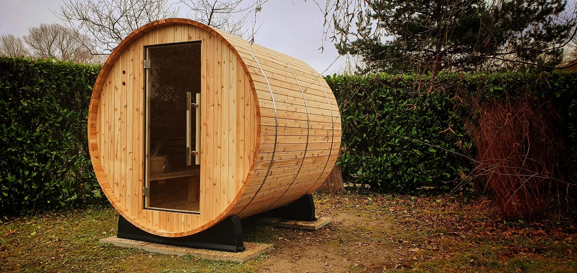 Sauna Tonneau en Cèdre Rouge par EauFeeling