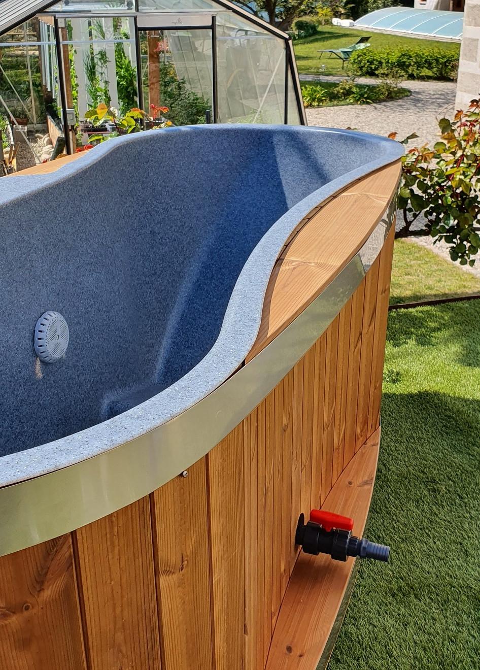Bain Nordique TINY de KIRAMI par EauFeeling VILLA RHONA sur la VIA RHONA